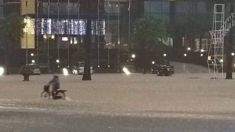 Choáng với trận mưa lớn chưa từng có trong 40 năm qua ở Quảng Ninh - ảnh 7