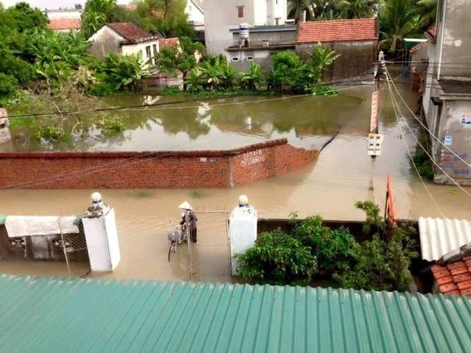 Choáng với trận mưa lớn chưa từng có trong 40 năm qua ở Quảng Ninh - ảnh 8