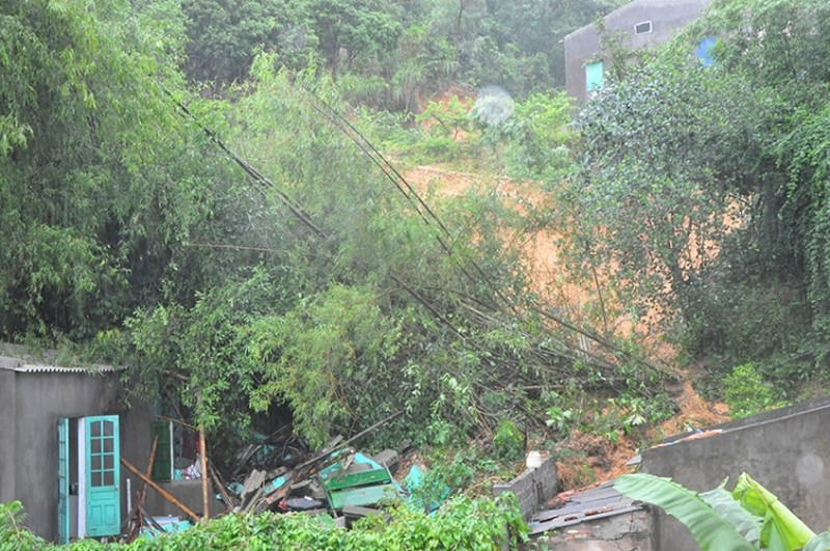 Mưa lớn ở Quảng Ninh: Bị mất tích khi cố cứu con rể bị nước cuốn  - ảnh 3