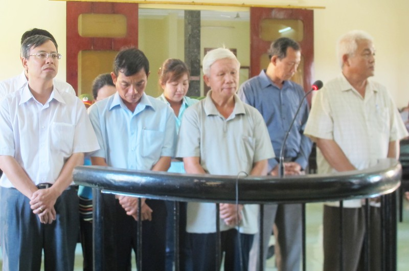 Cựu giám đốc Công ty Cảng Vũng Rô bị đề nghị 12-13 năm tù - ảnh 1