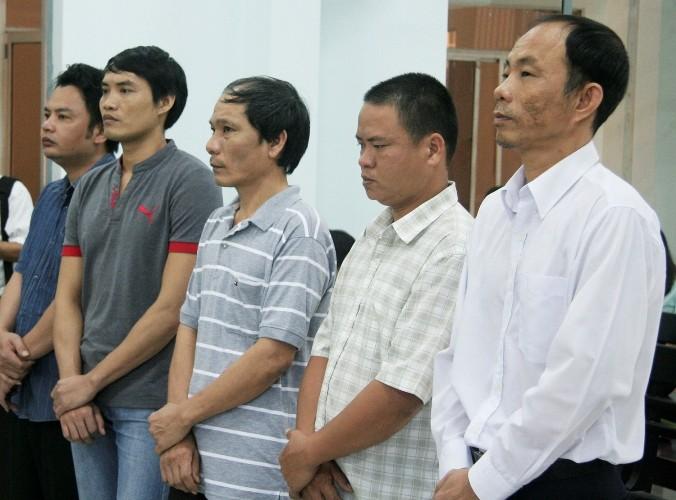 Nguyên trưởng công an huyện ăn chặn trầm kỳ lãnh 9 năm tù - ảnh 1