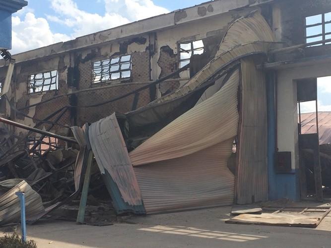 Bình Dương: Công ty gỗ của Malaysia bất ngờ bốc cháy dữ dội - ảnh 2
