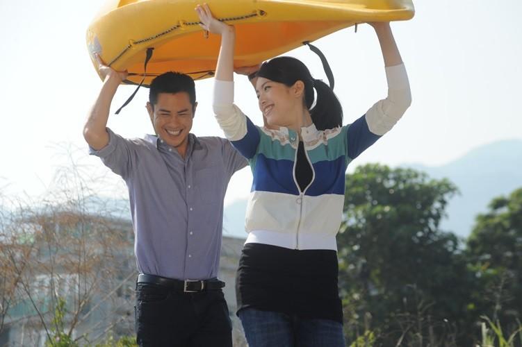 Xem cựu hoa hậu Hong Kong nổi tiếng một thời trên màn ảnh VN - ảnh 3
