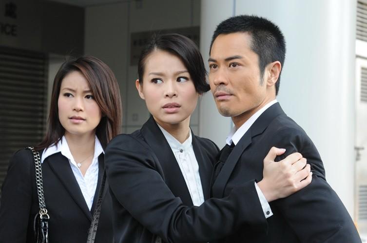 Xem cựu hoa hậu Hong Kong nổi tiếng một thời trên màn ảnh VN - ảnh 4