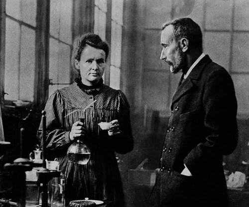 1500 năm sau, sổ tay của Marie Curie vẫn chưa hết nhiễm xạ - ảnh 2