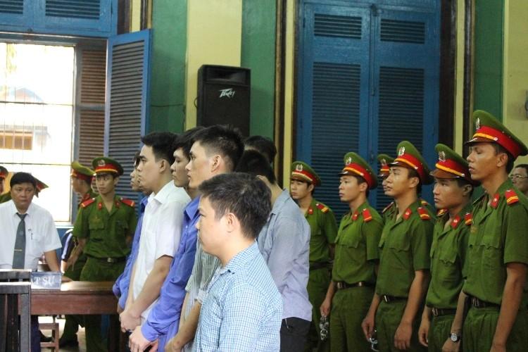 Băng trộm cắp xe máy đem sang Campuchia tiêu thụ lãnh án - ảnh 1