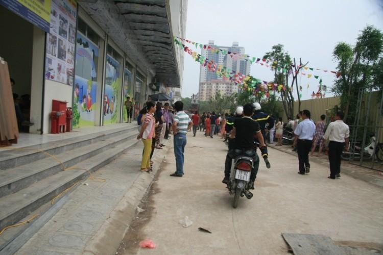 Hà Nội: Cháy lớn tại chung cư hàng chục tầng  - ảnh 2