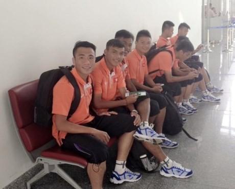 U19 Việt Nam mệt mỏi khi tới Myanmar - ảnh 1