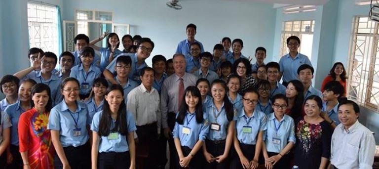 Đại sứ Mỹ thăm Tây Nguyên - ảnh 2