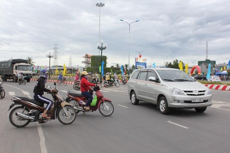 Khánh thành thông xe công trình mở rộng quốc lộ 1A qua Quảng Ngãi   - ảnh 1