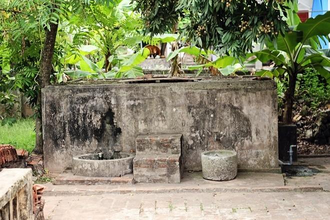 Những câu chuyện kỳ bí quanh ngôi nhà Bá Kiến