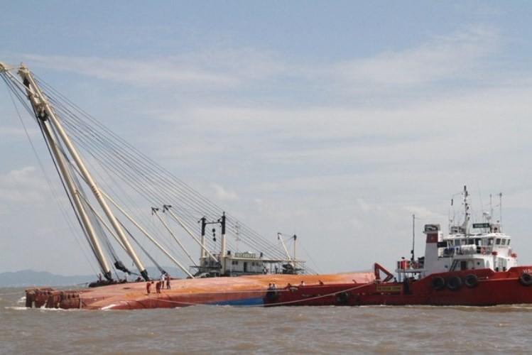 Vụ chìm tàu ở Soài Rạp: Tìm thấy hai thi thể thuyền viên  - ảnh 3