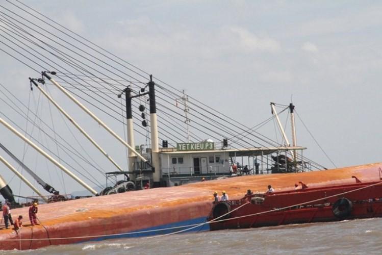 Vụ chìm tàu ở Soài Rạp: Tìm thấy hai thi thể thuyền viên  - ảnh 5