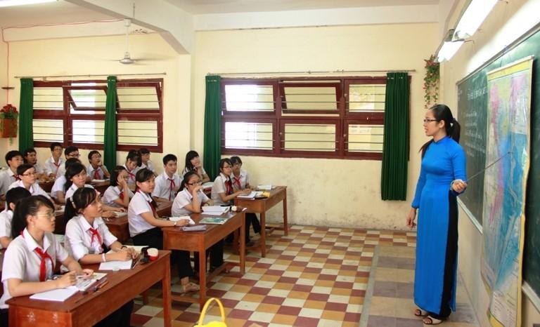 Giả phụ huynh vào trường trấn lột học sinh - ảnh 2