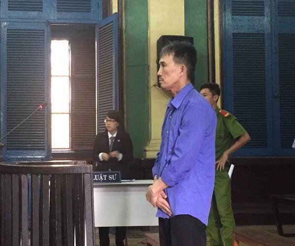 Bảo vệ tòa nhà đâm người trước cổng, lãnh án nặng - ảnh 1
