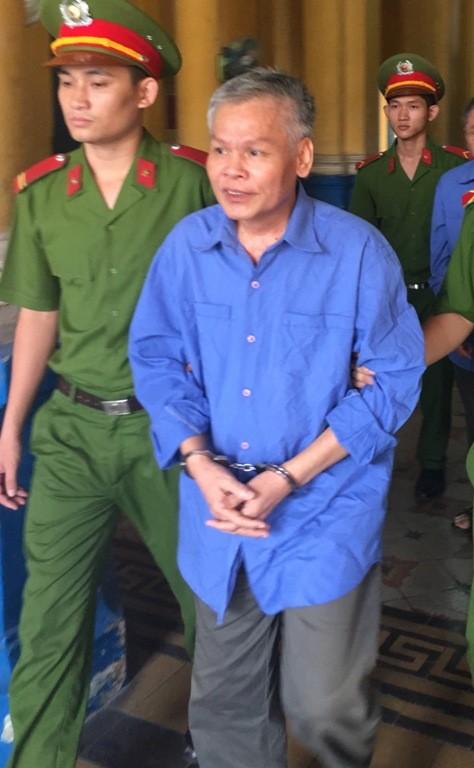 Lãnh hai án tử, nguyên tổng giám đốc tiếp tục hầu tòa  - ảnh 1