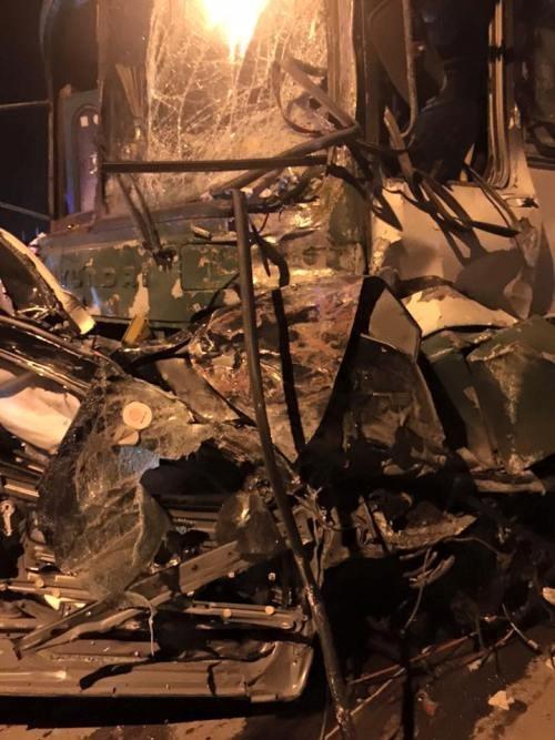 Tai nạn liên hoàn, 1 người chết, 6 người bị thương nặng - ảnh 1