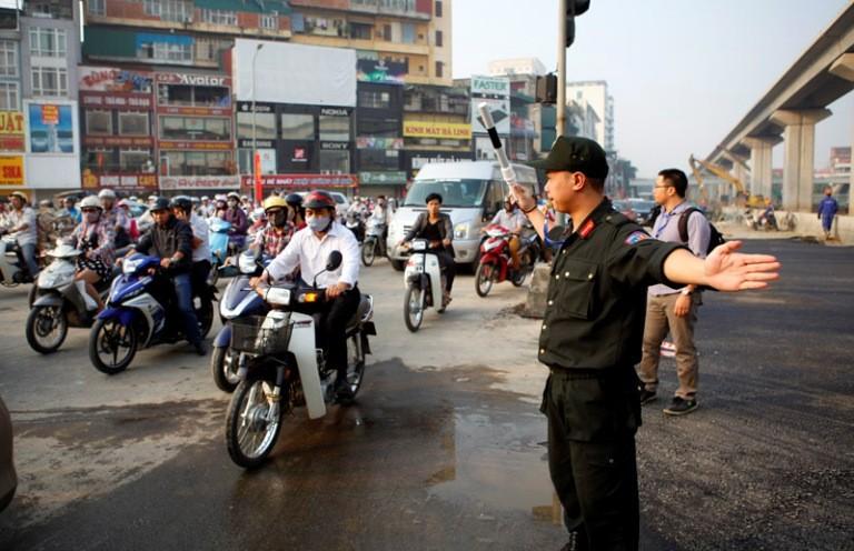 Hà Nội: Thực hiện 'Mệnh lệnh số 01', xử phạt hành chính hơn 13 tỉ đồng - ảnh 2
