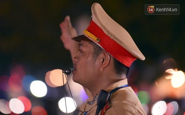 Câu chuyện đẹp về anh CSGT Đà Nẵng phạt lỗi vi phạm bằng phong kẹo cao su - Ảnh 1.
