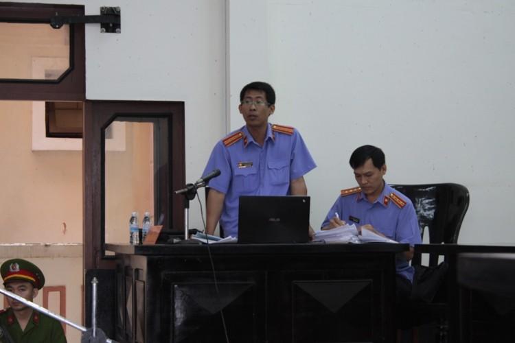 Vụ chai nước có ruồi: Bị cáo Minh bị đề nghị đến 13 năm tù - ảnh 5