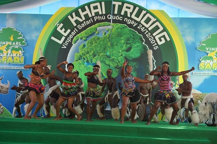 Khai trương vườn thú bán hoang dã lớn nhất châu Á  - ảnh 1