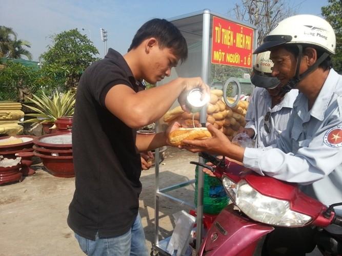 Long An: Bánh mì từ thiện lan tỏa - ảnh 7