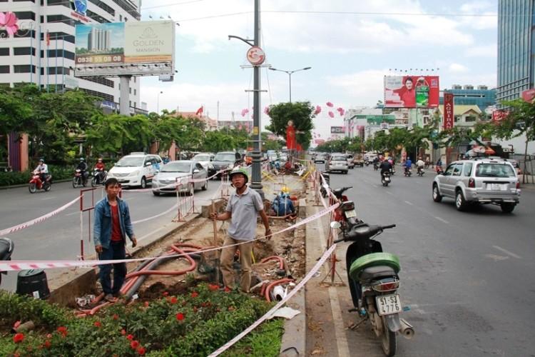 Kẹt xe và 'gỡ nút' ở cửa ngõ sân bay Tân Sơn Nhất - ảnh 1