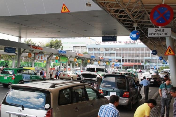 Kẹt xe và 'gỡ nút' ở cửa ngõ sân bay Tân Sơn Nhất - ảnh 4