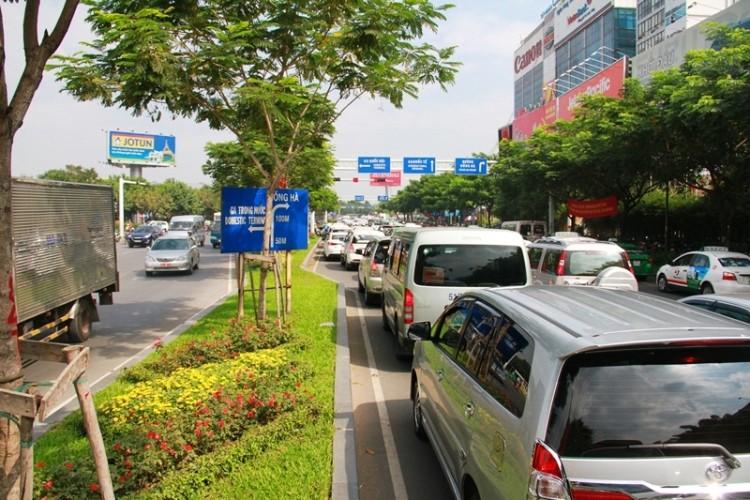 Kẹt xe và 'gỡ nút' ở cửa ngõ sân bay Tân Sơn Nhất - ảnh 6