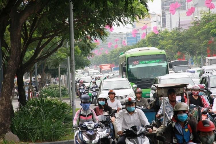Kẹt xe và 'gỡ nút' ở cửa ngõ sân bay Tân Sơn Nhất - ảnh 7