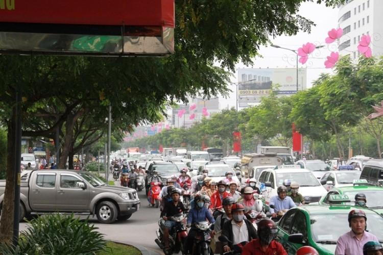 Kẹt xe và 'gỡ nút' ở cửa ngõ sân bay Tân Sơn Nhất - ảnh 8