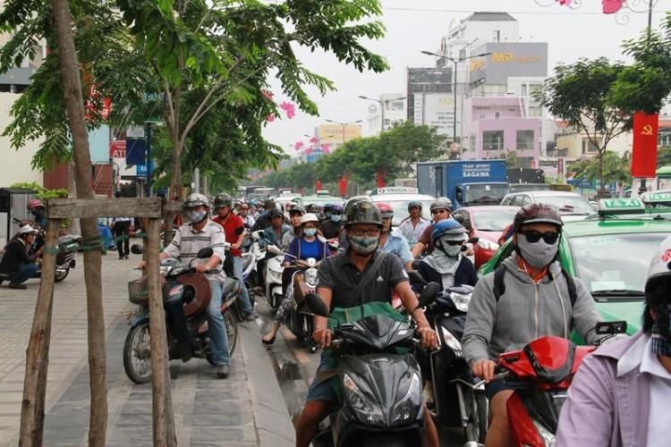 Kẹt xe và 'gỡ nút' ở cửa ngõ sân bay Tân Sơn Nhất - ảnh 10