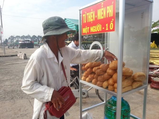 Long An: Bánh mì từ thiện lan tỏa - ảnh 9