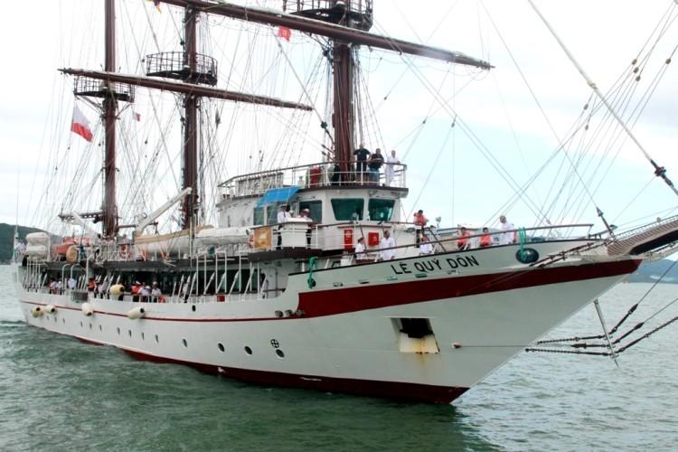 Chùm ảnh: Đón tàu buồm huấn luyện hải quân về nước - ảnh 6