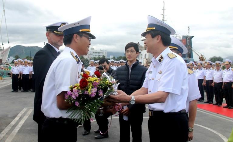 Chùm ảnh: Đón tàu buồm huấn luyện hải quân về nước - ảnh 1