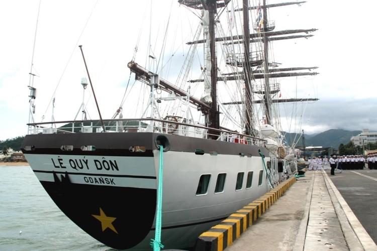 Chùm ảnh: Đón tàu buồm huấn luyện hải quân về nước - ảnh 8