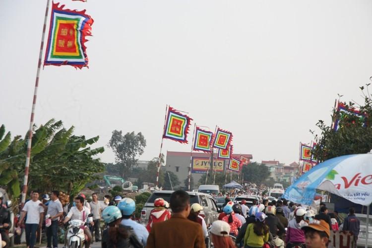 Chợ Viềng: Nghẹt thở đi chợ cầu may - ảnh 6
