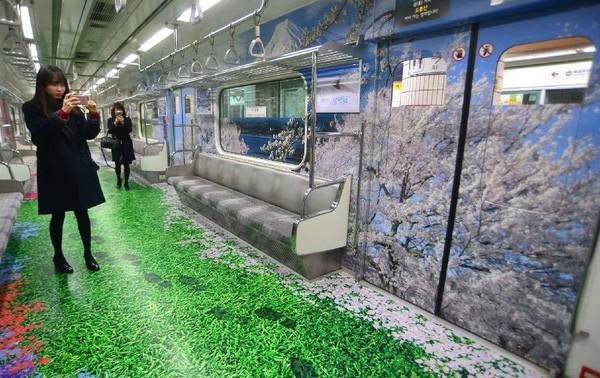 Những chuyến tàu điện có một không hai ở Seoul - Ảnh 1.