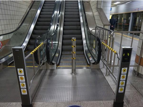 """Hệ thống tàu điện ngầm """"hiện đại như phim"""" của Seoul - Ảnh 16."""
