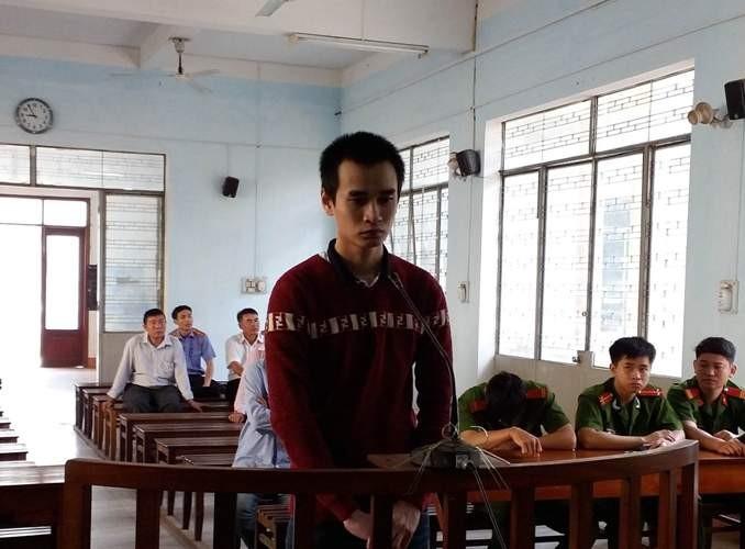 Thầy giáo dạy hát… hiếp dâm và cướp tài sản  - ảnh 1