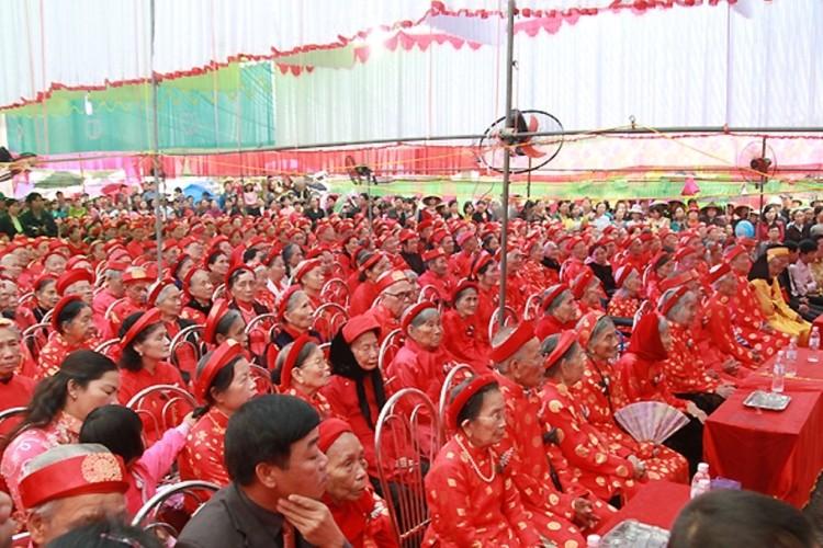 Cả làng mừng thượng thọ tập thể cho hơn 600 cụ  - ảnh 1