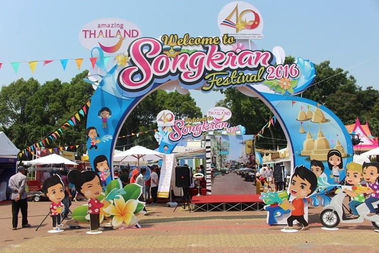 Rực rỡ lễ hội Thái Lan  - ảnh 2
