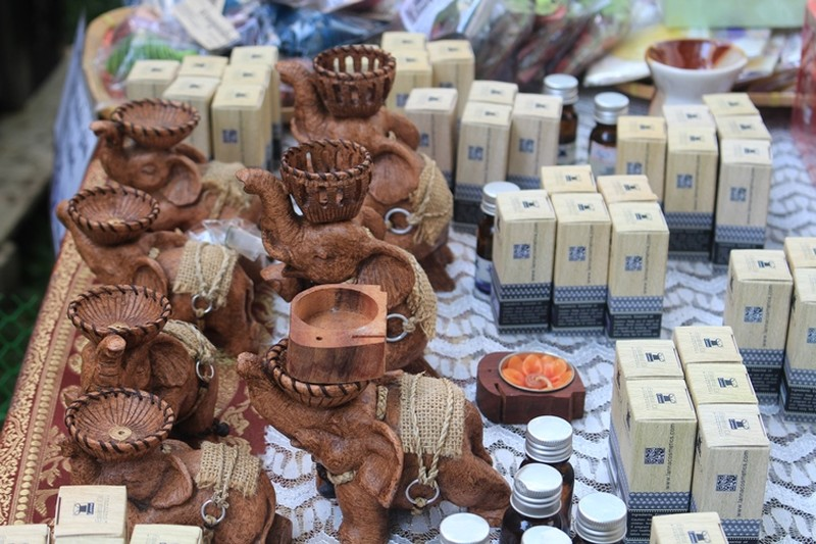 Rực rỡ lễ hội Thái Lan  - ảnh 5
