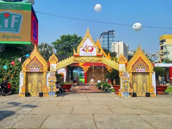 Rực rỡ lễ hội Thái Lan  - ảnh 1