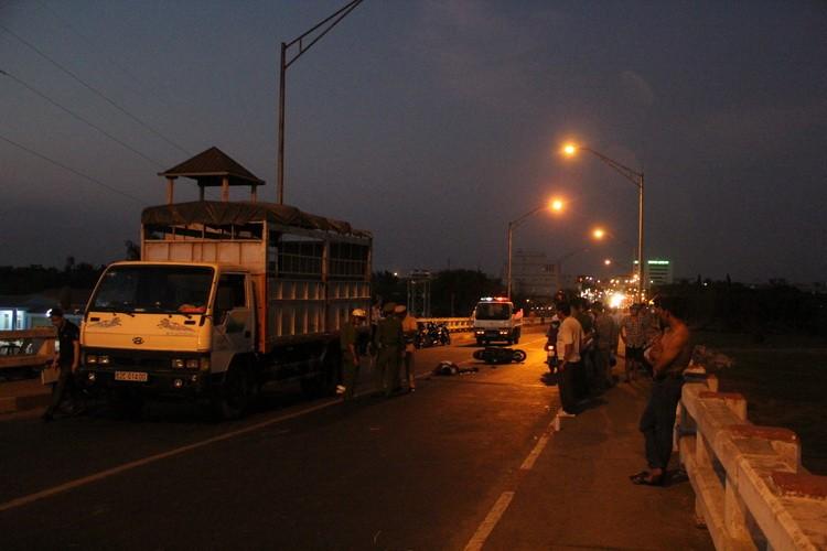 Long An cấm xe tải qua cầu Tân An vào giờ cao điểm  - ảnh 1