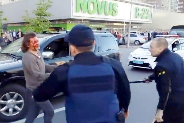 Đô vật từng vô địch Olympic gây sốc khi một mình đánh lại 7 cảnh sát - Ảnh 4.