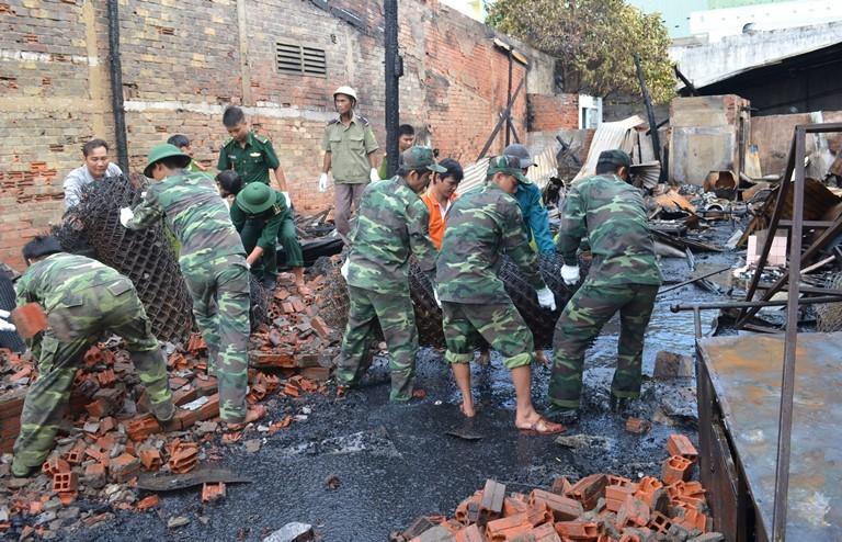 Lính biên phòng giúp dân chữa cháy kịp thời - ảnh 1