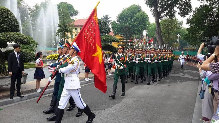 Tổng thống Obama công bố gỡ bỏ cấm vận vũ khí đối với Việt Nam  - ảnh 25