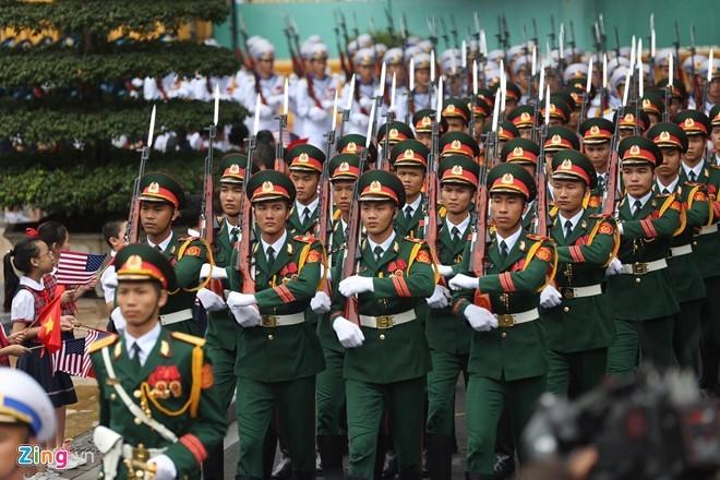 Tổng thống Obama công bố gỡ bỏ cấm vận vũ khí đối với Việt Nam  - ảnh 24