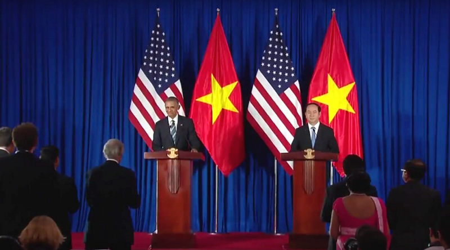 Tổng thống Obama công bố gỡ bỏ cấm vận vũ khí đối với Việt Nam  - ảnh 7